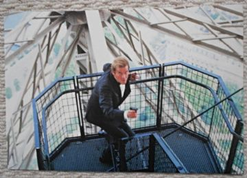 View to a Kill, Press Photo, James Bond at the Eiffel Tower, '85 (JB16)
